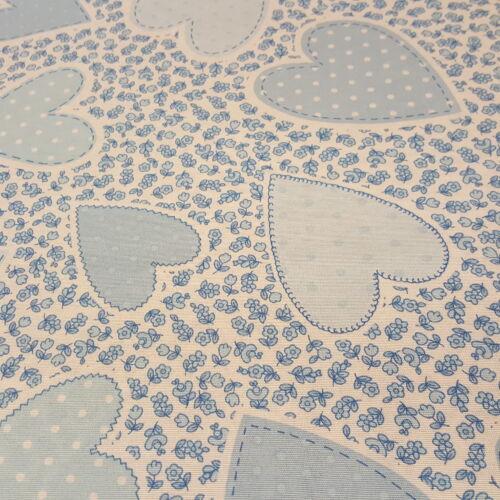 Kék pöttyös szívecskés dekorvászon (kék virágos alapon)
