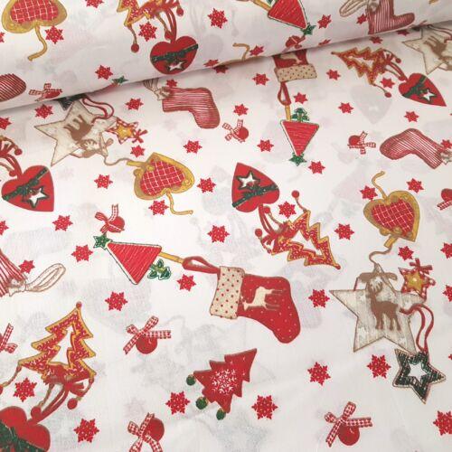 Karácsonyi díszes pamutvászon fehér alapon - kevert szálas