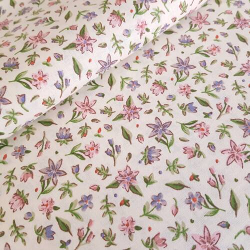 Rózsaszín-lila virágos pamutvászon